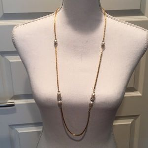 Jewelry - Gold Chain & Pearls